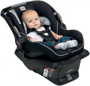 Везем ребенка в машине