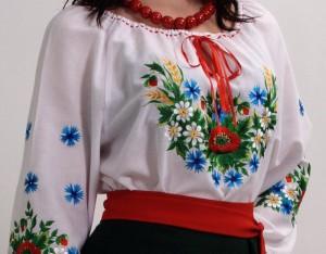 Вышитая женская сорочка – гордость женского гардероба