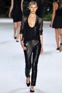 Даже брюки делают полную женщину элегантной!