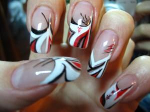 Декоративные лаки на наращенных ногтях