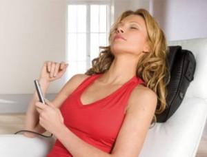 Массажные подушки для спины и массажер для головы на страже женского здоровья