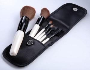 Статья о кистях для макияжа
