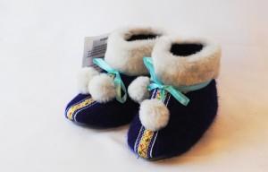 Пинетки на меху: бережем детские ножки