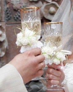 Свадебные бокалы: русские традиции европейского качества