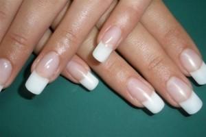 О чем говорят длинные и ухоженные ногти