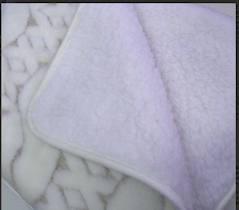 Под одеялом из шерсти тонкорунной овцы можно не бояться умереть от холода