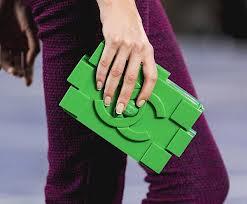 Конструктор Лего теперь стал модным женским аксессуаром