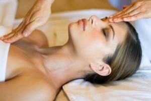 Эстетическая косметология для улучшения кожи лица. Что выбрать?