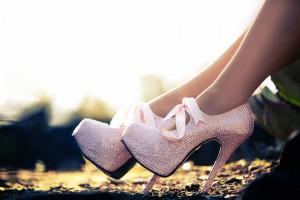 Как ходить на высоких каблуках? 5 советов!