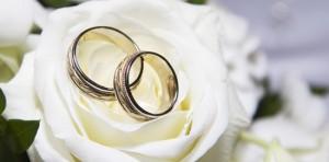Украшения для свадьбы: очарование классики