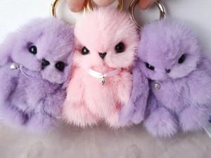 Тренд сезона: меховой кролик брелок