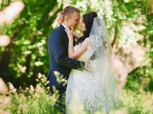 Как организовать свадьбу в деревенском стиле?