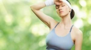 Как лечить чрезмерное потоотделение?