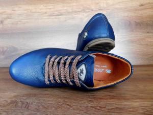 Спортивная женская обувь в ретро стиле