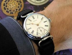 Какие часы выбрать для него?