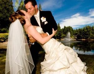 Выбор свадебного платья для невесты и костюма для жениха