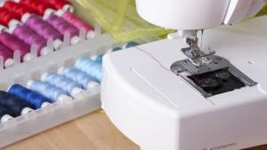 Швейная машина, фурнитура, ткани для начинающих