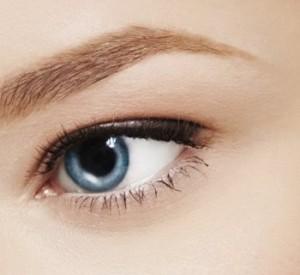 Как убрать тени, опухшую кожу и морщины под глазами?
