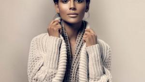 Теплый свитер для нее: обзор самых модных моделей
