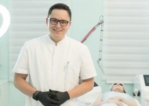 Защитные очки для работы с неодимовым лазером при удалении татуировок.