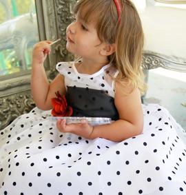 Одеваем маленьких принцесс к торжеству