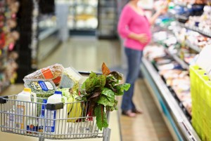 Каких продуктов следует избегать во время беременности?