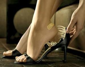 Как растянуть тесную обувь?