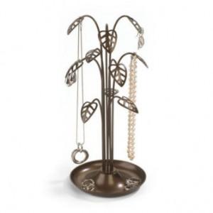 Подставки для ювелирных украшений - нужный аксессуар для презентации различных аксессуаров.