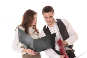 Как привлечь внимание мужчины-коллеги