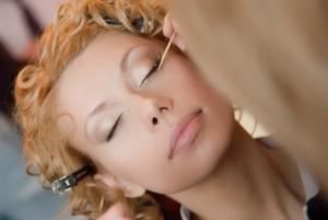 Дома или в салоне - поговорим о свадебном макияже