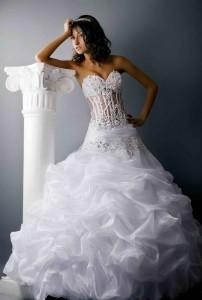 Как правильно выбрать свадебный наряд